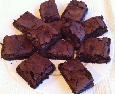 choc chip nut brownies, chocolate brownies, dessert, brownies