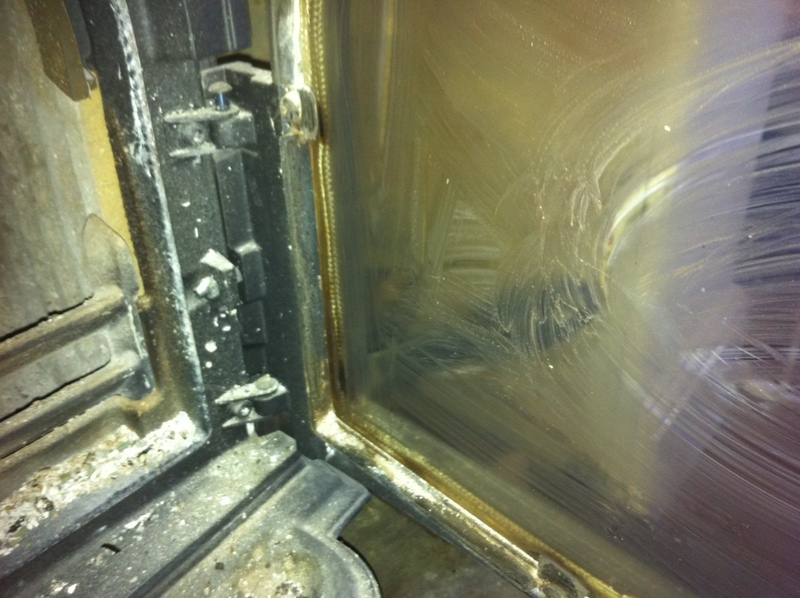 wood burning stove, clean, cleaning, ash, maintenance, glass, screen  - Clean a Wood Burning Stove Screen